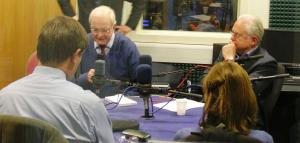 Magnus Linklater, editor of the Scottish edition of The Times, responds to a question on Siren FM radio station. With him are (clockwise) former TV news anchorman Martyn Lewis, Pam Jenner of the Cambridge Evening News, and freelance journalist Michael Smith. (Photo: Robin Williamson)